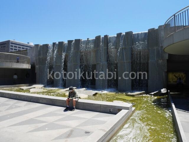 Yerba Buena Gardenの人工滝