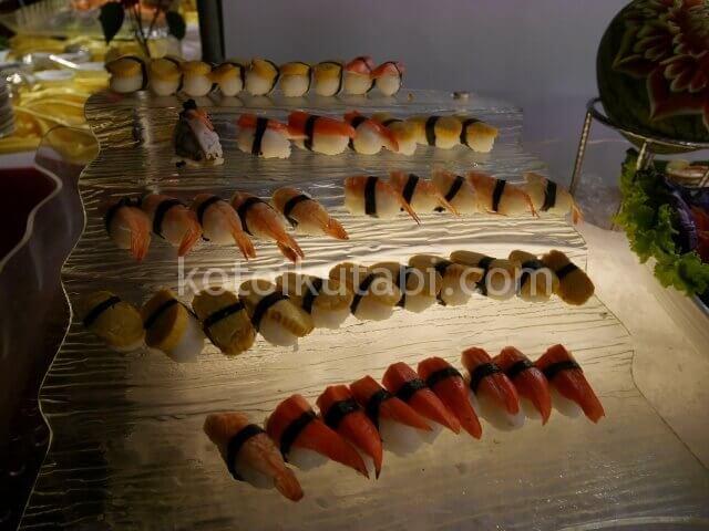 ラフローラリゾートパトンのガラディナー(寿司)