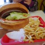 【サンフランシスコ2017】IN-N-OUT BURGERで地元で人気のバーガーを食べたよ。