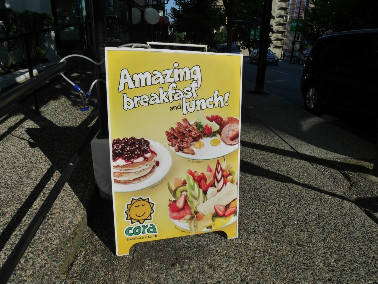 バンクーバーで朝食を食べたcora