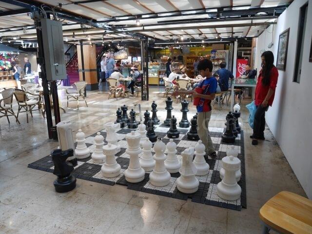 ロンズデールキーマーケットの巨大チェス