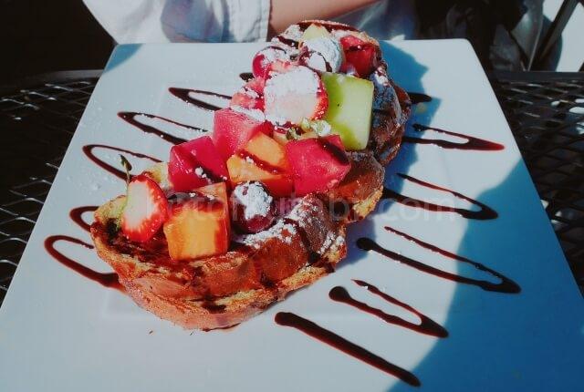バンクーバーのカフェCoco Rico Cafeのフレンチトースト