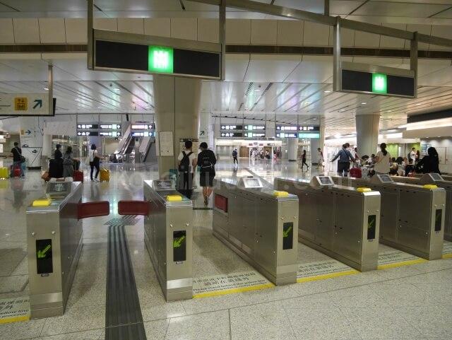 香港のMTRの改札