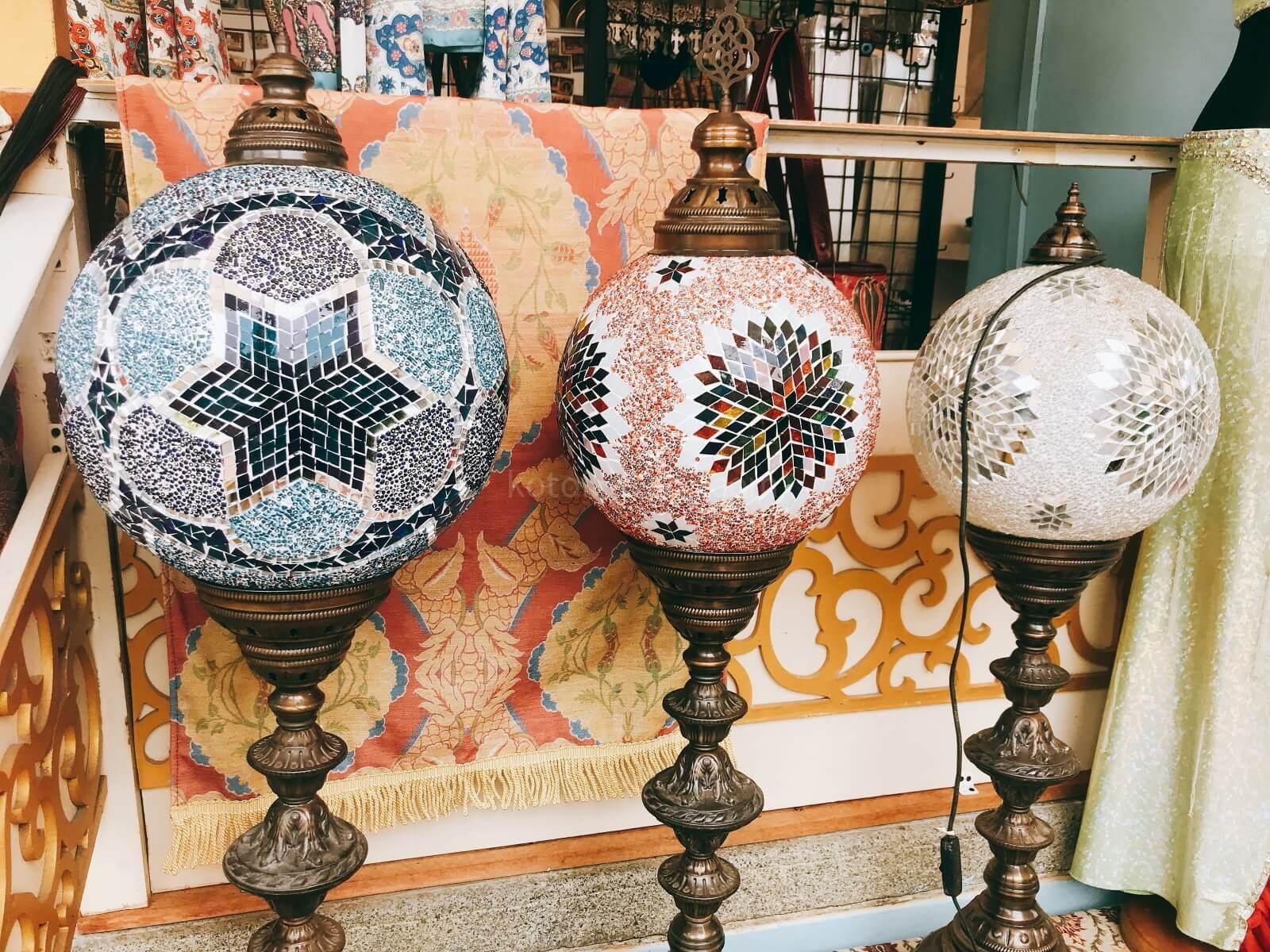 アラブ人街のランプ屋さん