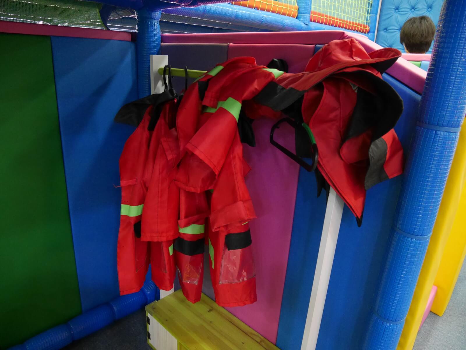 ソウルのキッズカフェ消防士なりきりコーナー